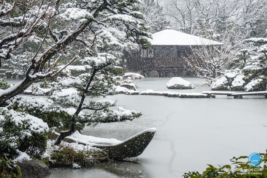 jardin-japonais-neige-osaka