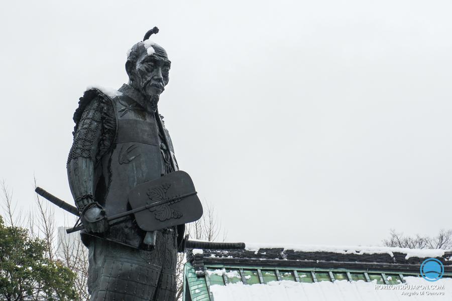 toyotomi-hideyoshi-statue-neige-osaka