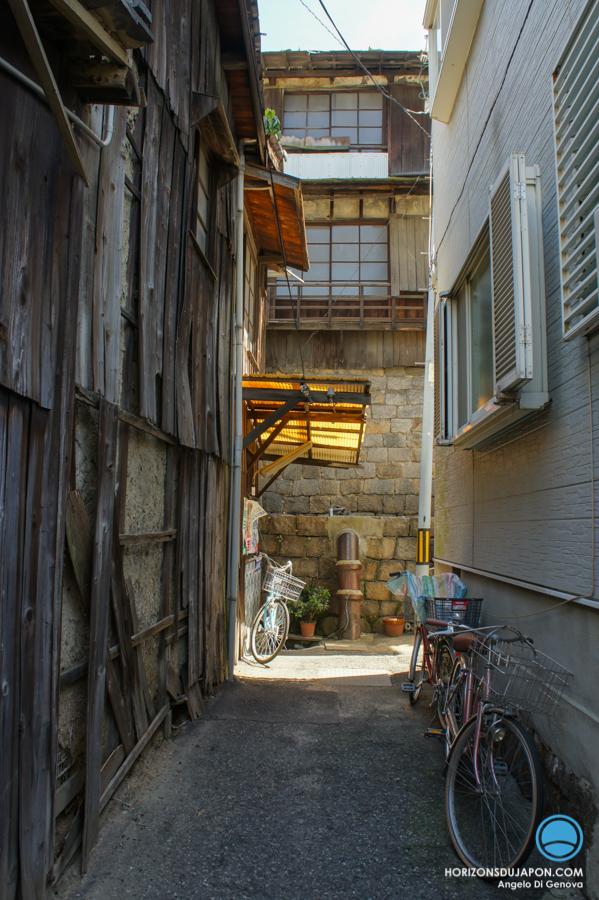 Osaka-Village-02